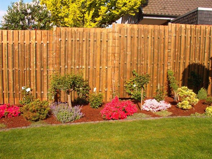 Zaun gartenbau und gartengestaltung pflasterarbeiten for Gartengestaltung zaun